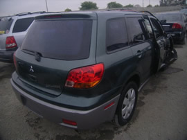 2003 MITSUBISHI OUTLANDER COLOR GREEN STK 113568