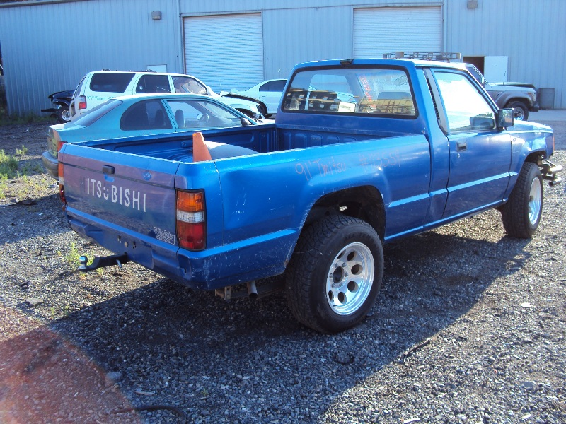 1991 MITSUBISHI PICK UP 24L MT 2WD COLOR BLUE STK