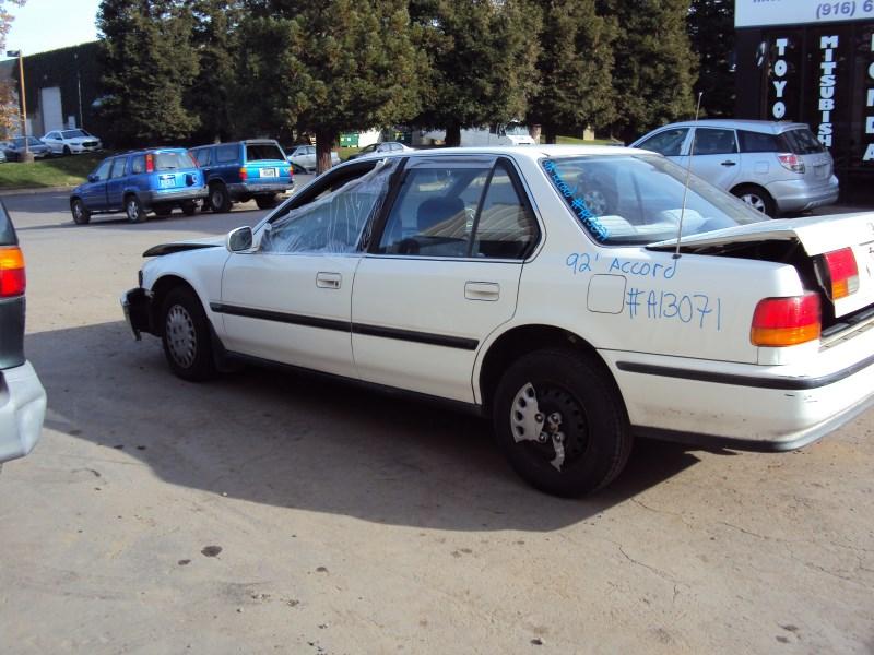 1992 HONDA ACCORD 4 DOOR SEDAN LX MODEL 22L AT FWD COLOR WHITE A13071
