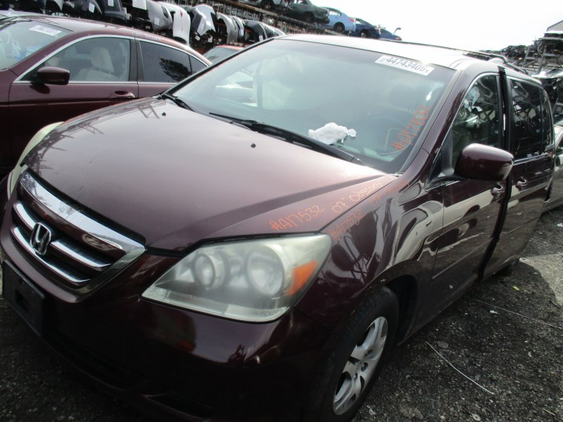 Used 2013 Honda Odyssey for sale - Pricing & Features ... |Honda Odyssey Maroon
