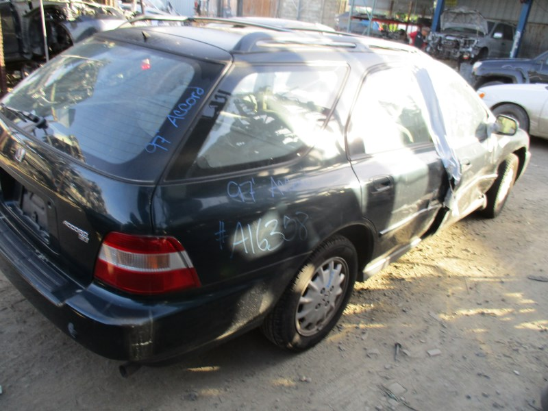 ... 1997 HONDA ACCORD EX WAGON DARK GREEN 2.2L VTEC AT A16358
